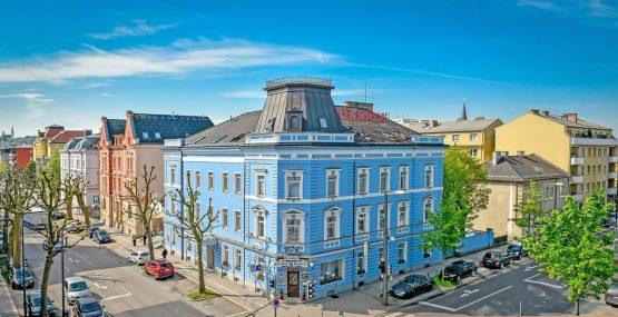 Hotel bayrischer Hof Referenz mit Gebäude von vorne oben